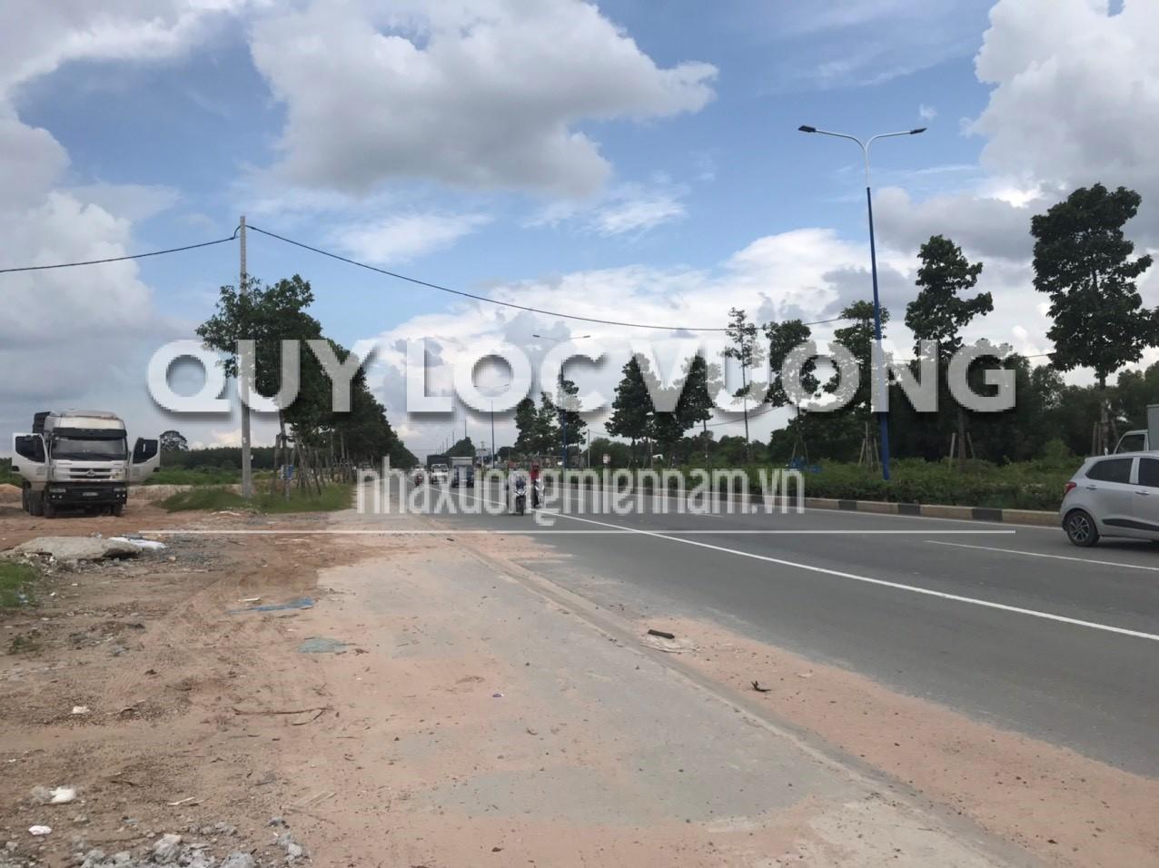 Cho thuê 22.000m2 đất trống ở mặt tiền đường thị xã Thuận An