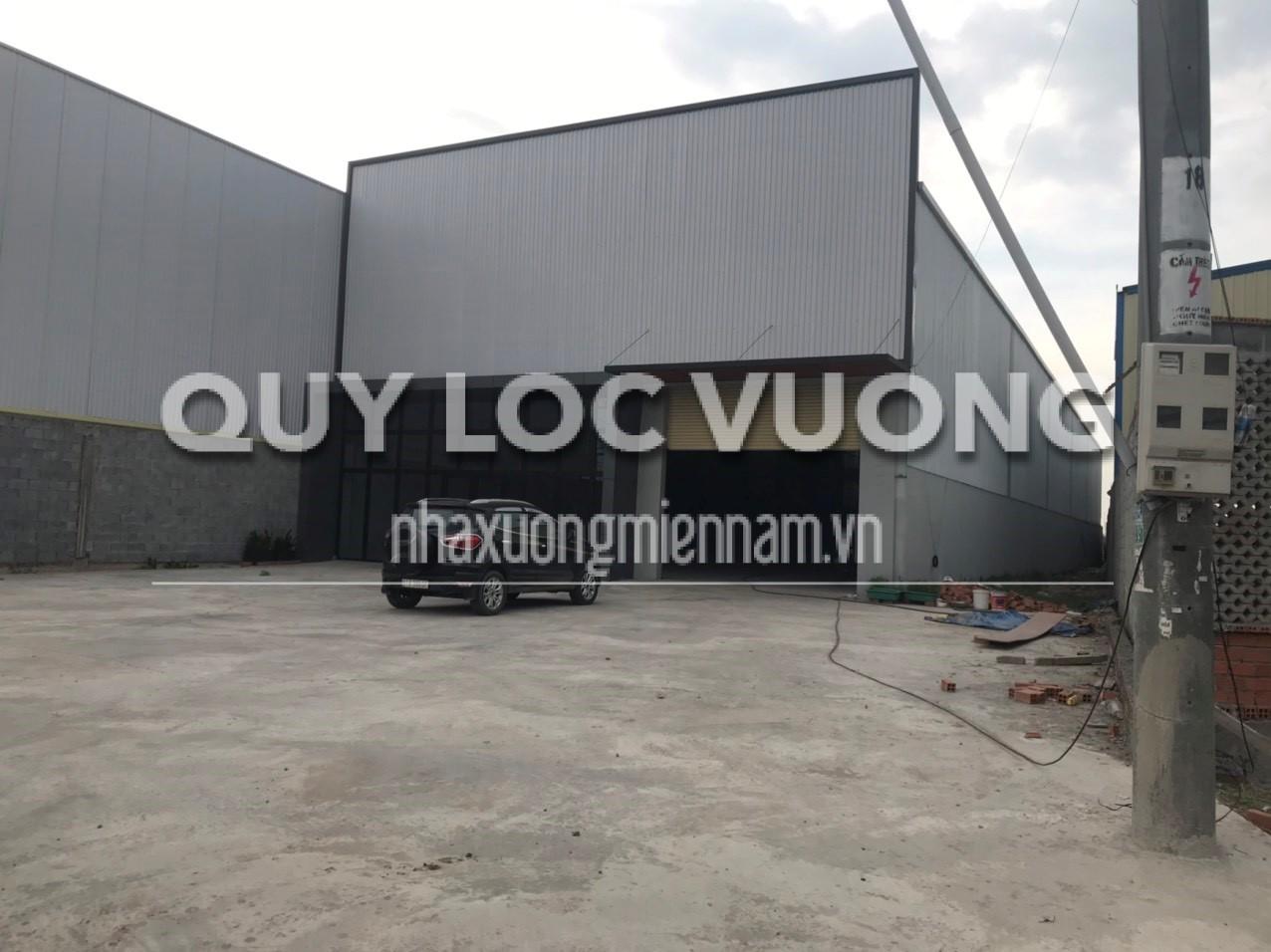 Cho thuê 2.500m2 xưởng làm mặt bằng kinh doanh ở thị xã Tân Uyên, Bình Dương