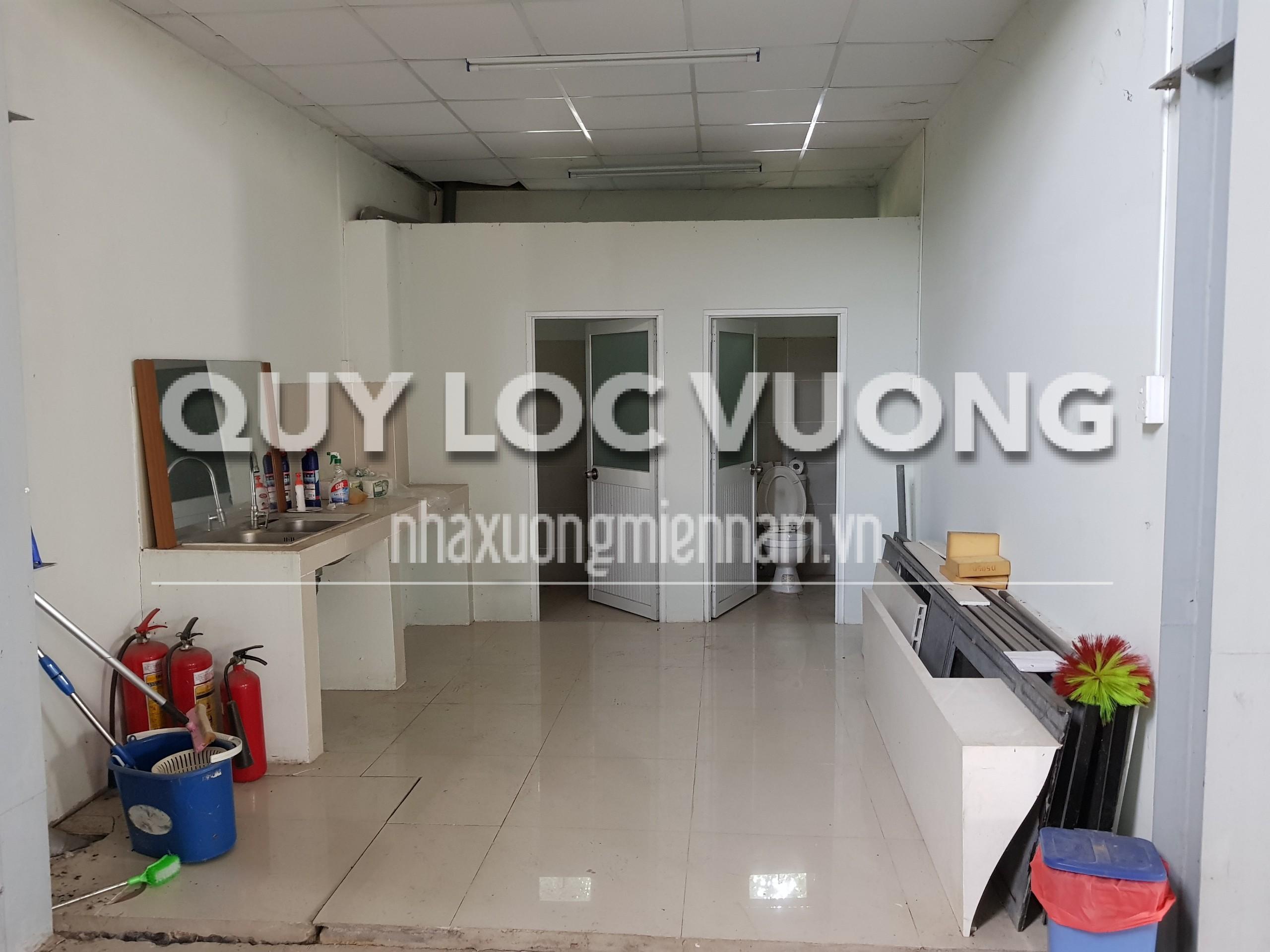 Cho thuê kho chứa đồ nội thất đường Phạm Ngọc Thạch Thủ Dầu Một, 900m2